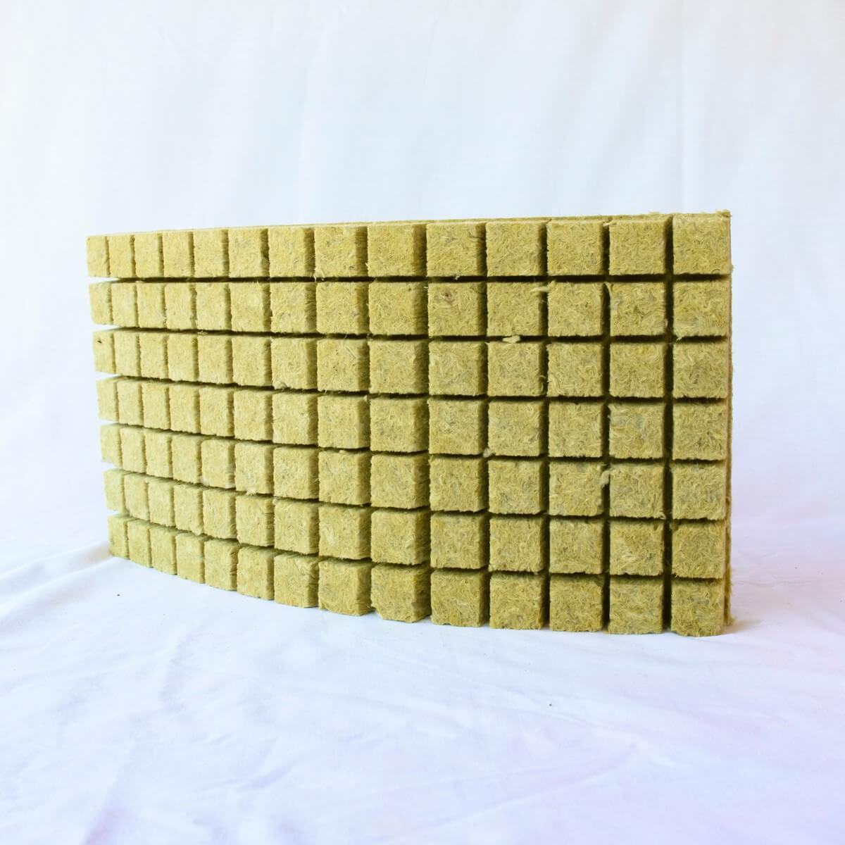 Magvető kőzetgyapot kocka 25x25x40